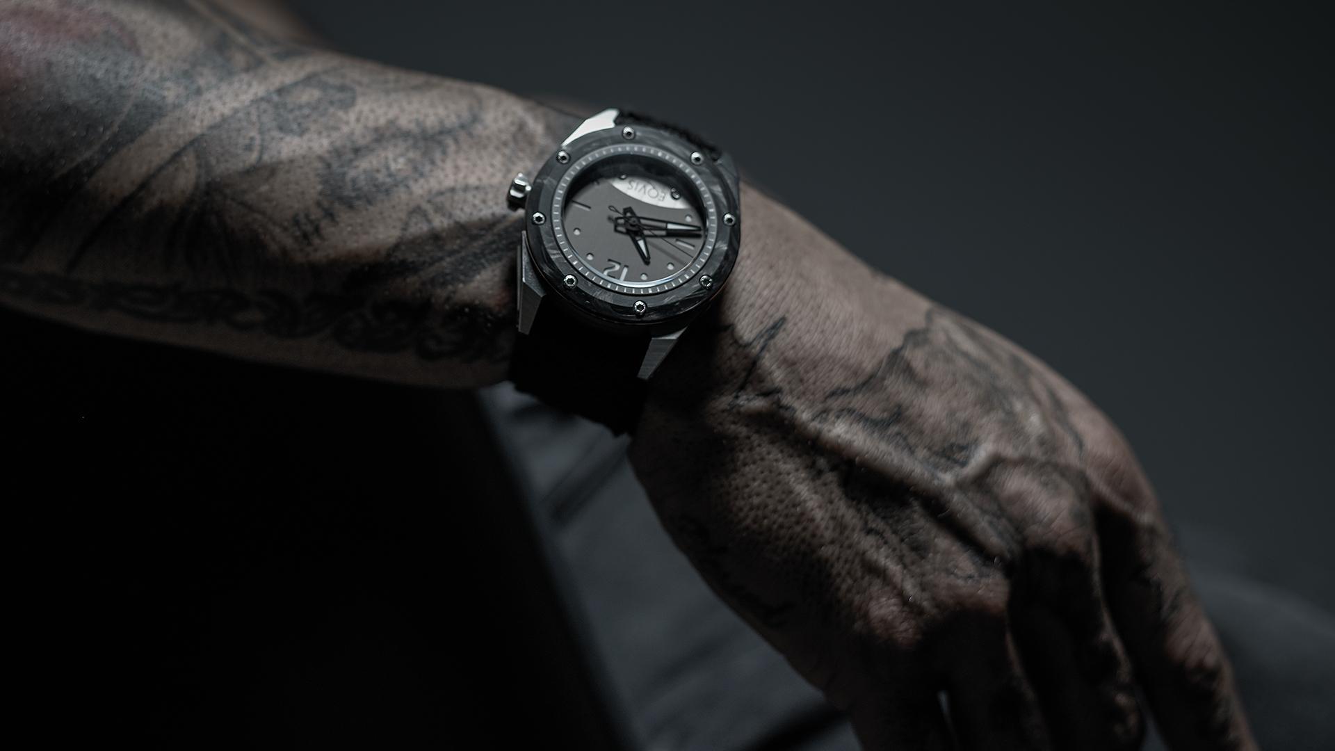 Eqvis Varius Swiss watch brand