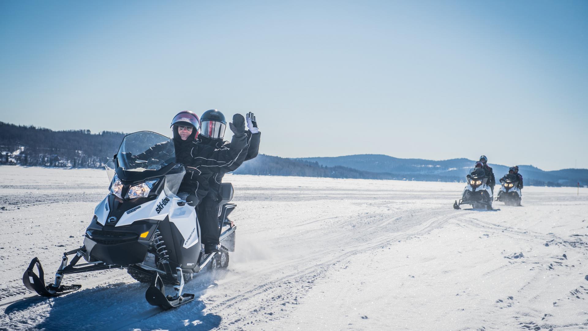 Quebec travel guide: snowmobiling