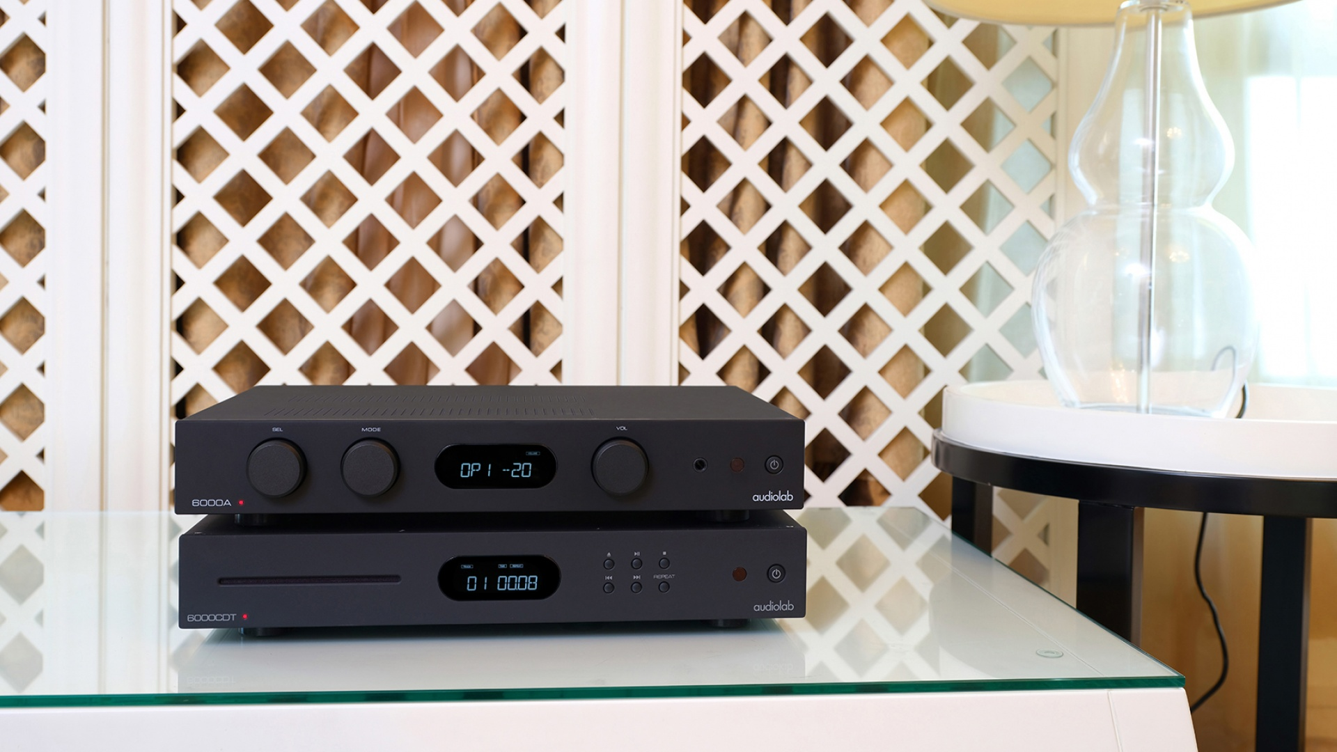 The Audiolab 6000A amplifier alongside the 6000CDT CD player