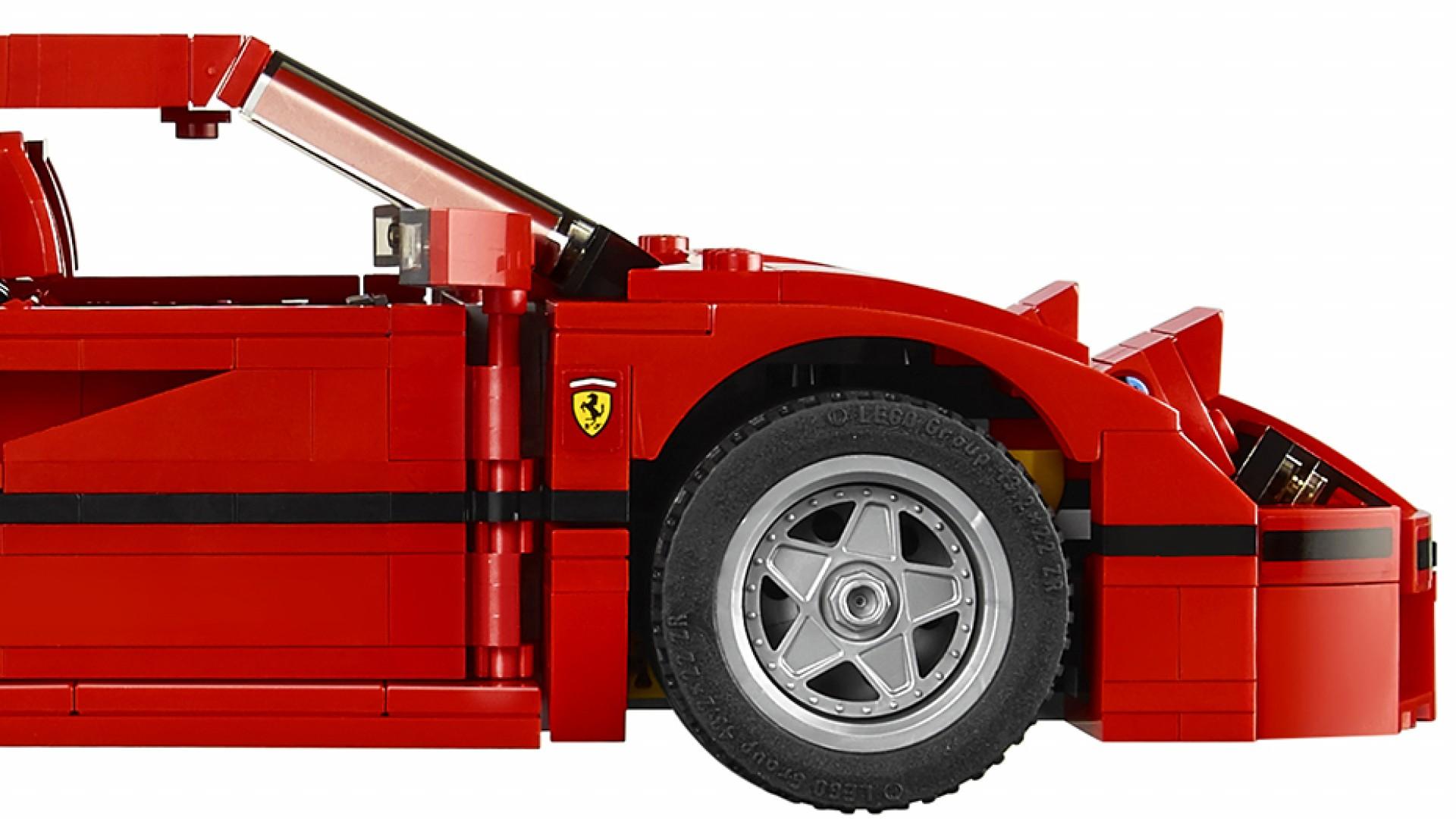 lego 39 s ferrari f40 supercar set has got us feeling like a big kid square mile. Black Bedroom Furniture Sets. Home Design Ideas