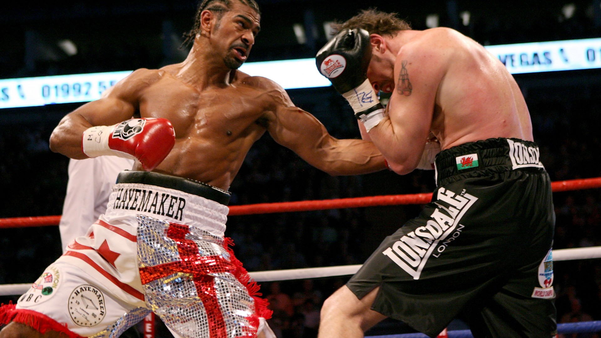 David Haye beats Enzo Maccarinelli to become the first unified cruiserweight champion ever