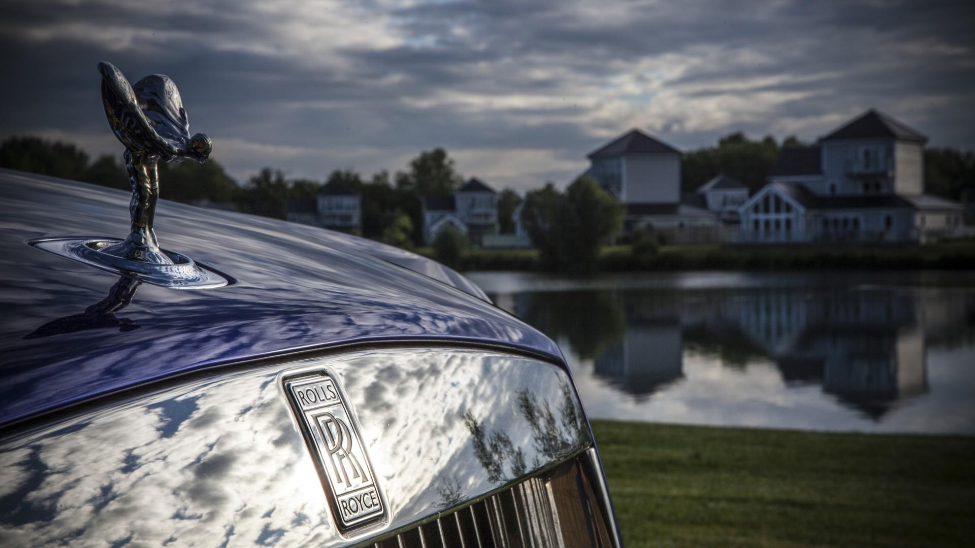 Rolls-Royce Dawn convertible blue