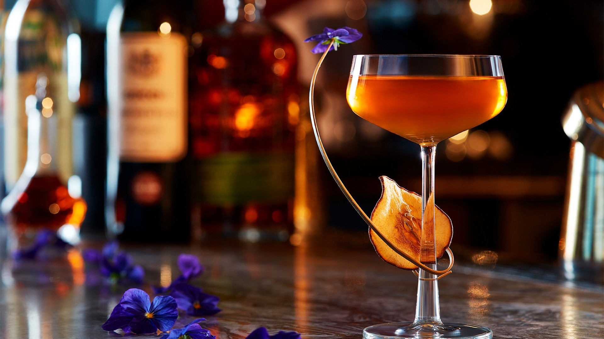 Best Valentine's Day bar in London Gong at The Shard