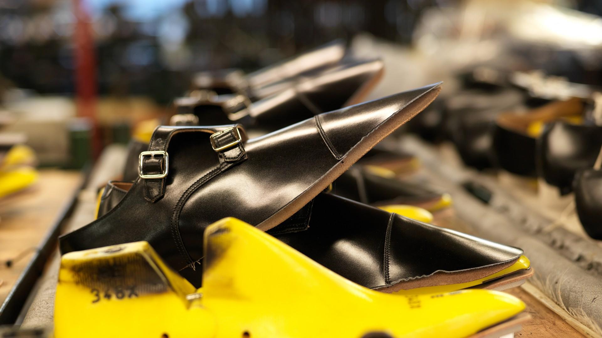 How Crockett Jones Make Its Shoes Square Mile Cut Engineer Crocodile Safety Steel Genuine Leather Brown Preparation