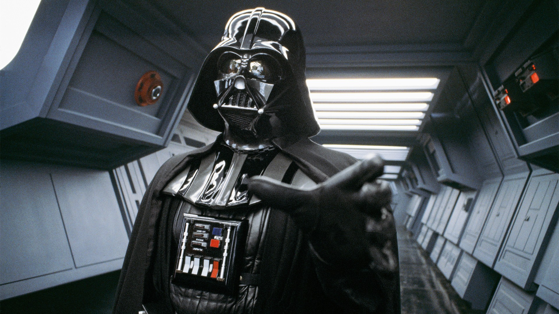 Darth Vader's (David Prowse) choke hold