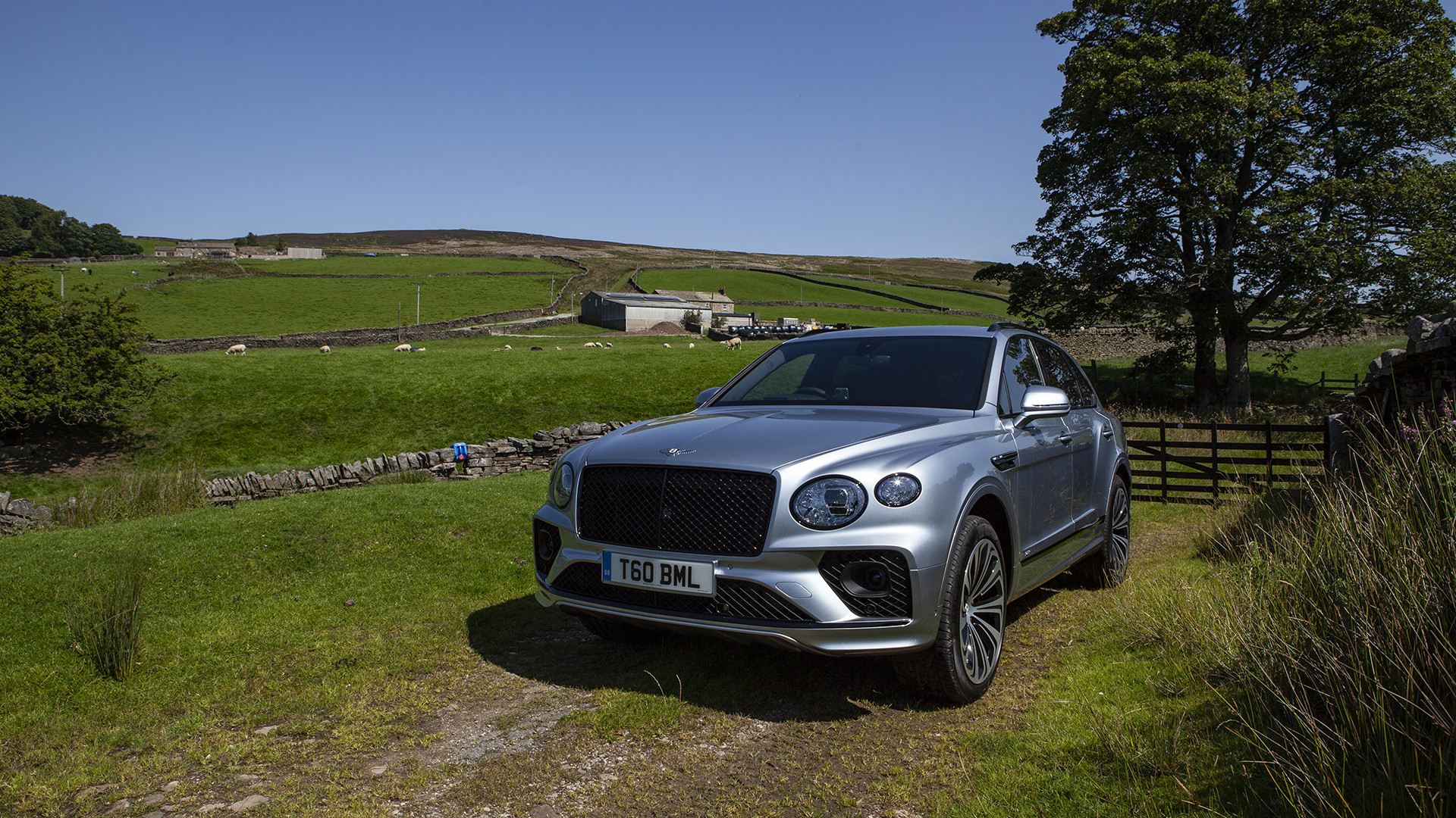 Bentley Bentayga 2