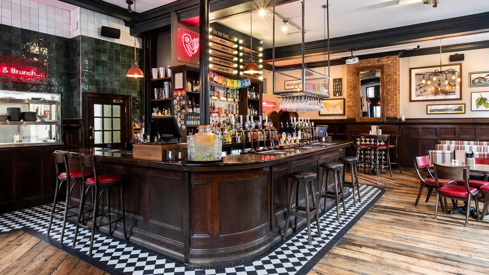 The Rose and Crown – London Bridge Pub
