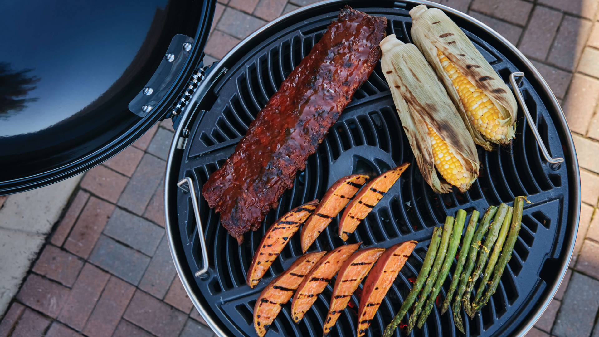 Napoleon Pro Charcoal Grill barbecue review
