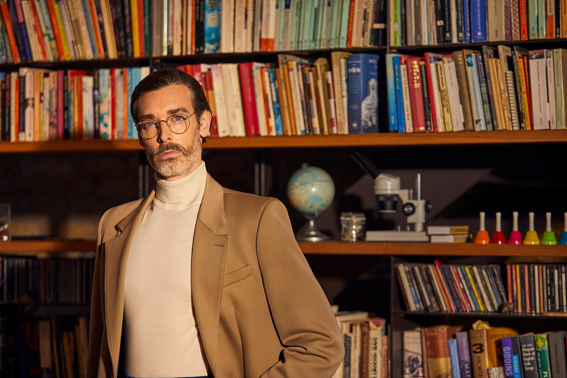 Richard Biedul for Cudoni.