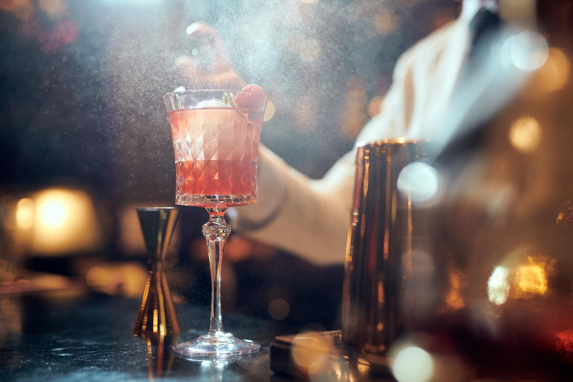 A cocktail masterclass at The Milestone Hotel