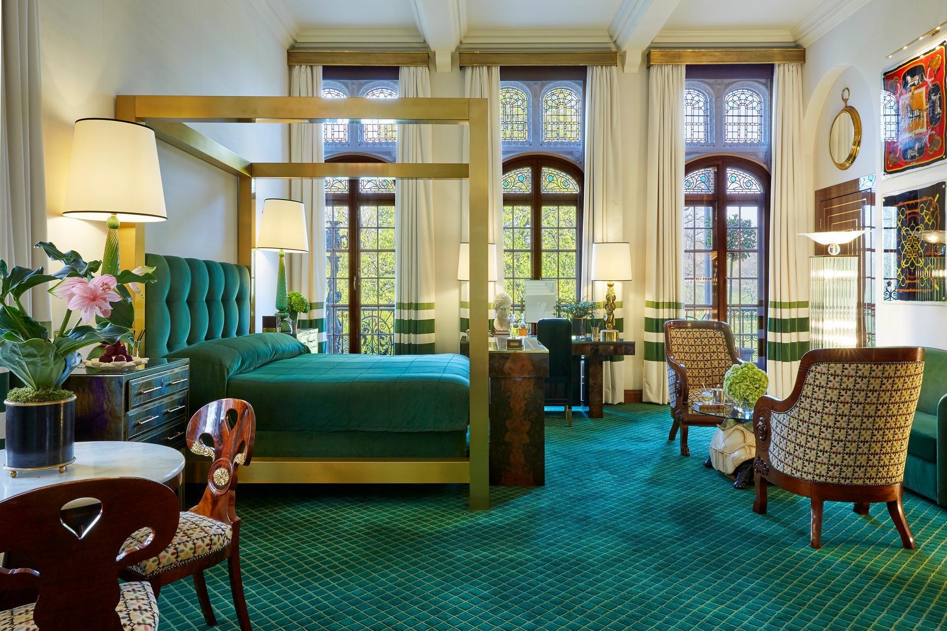 The Milestone Hotel Hermes Suite
