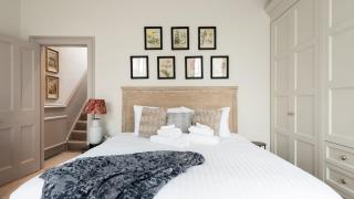 London Airbnbs – Pembroke Townhouse, Kensington