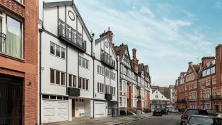 HERBERT CRESCENT, Knightsbridge