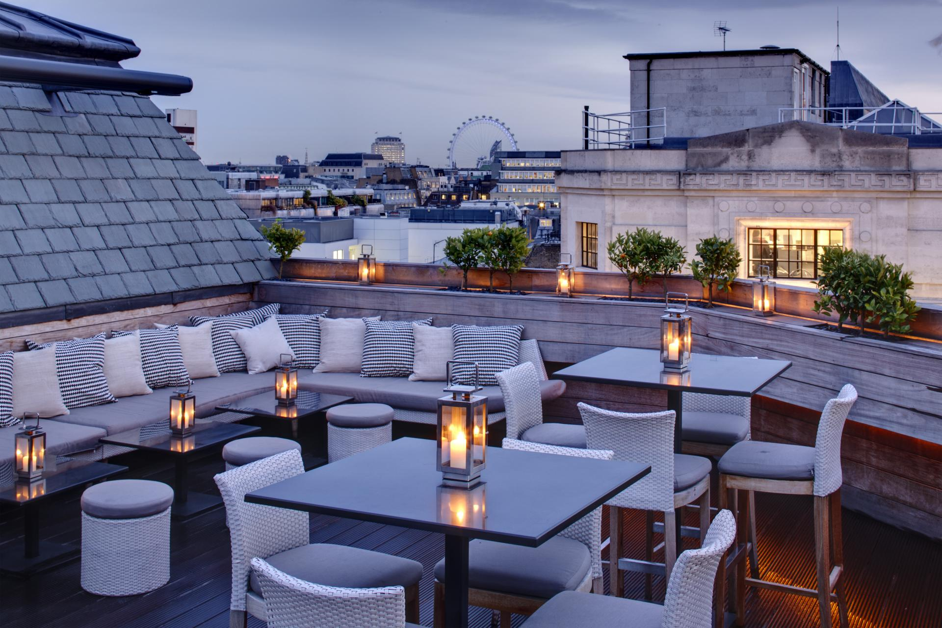 Aqua Spirit Rooftop Bar