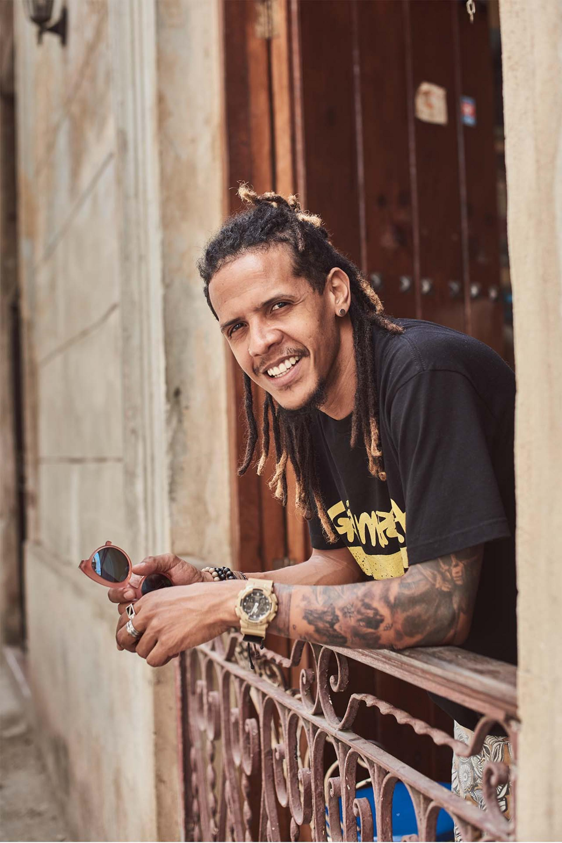 El Individuo, a Latin jazz and Cuban swing-influenced 'poetic rapper
