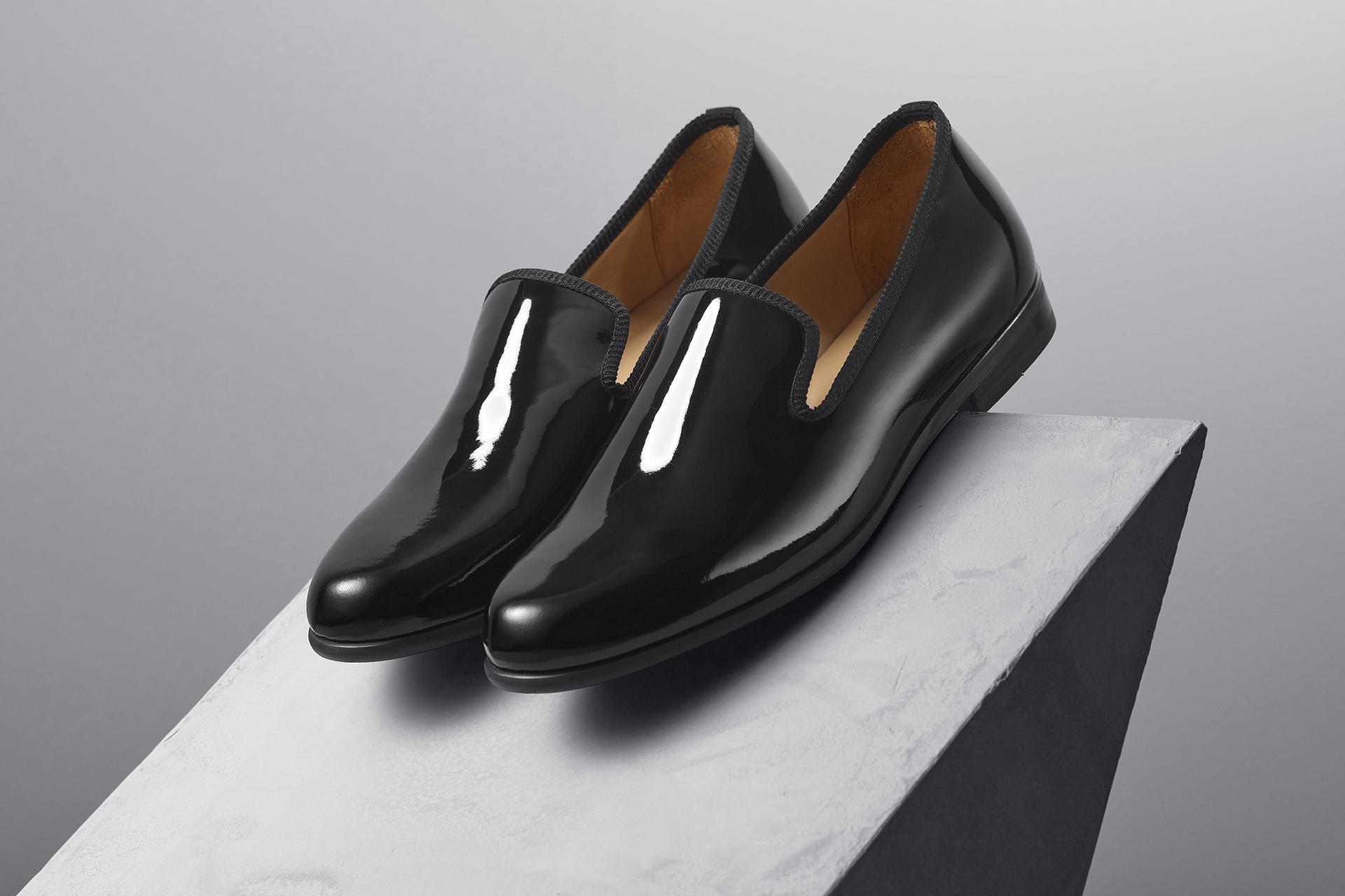 DUKE + DEXTER – patent black loafer