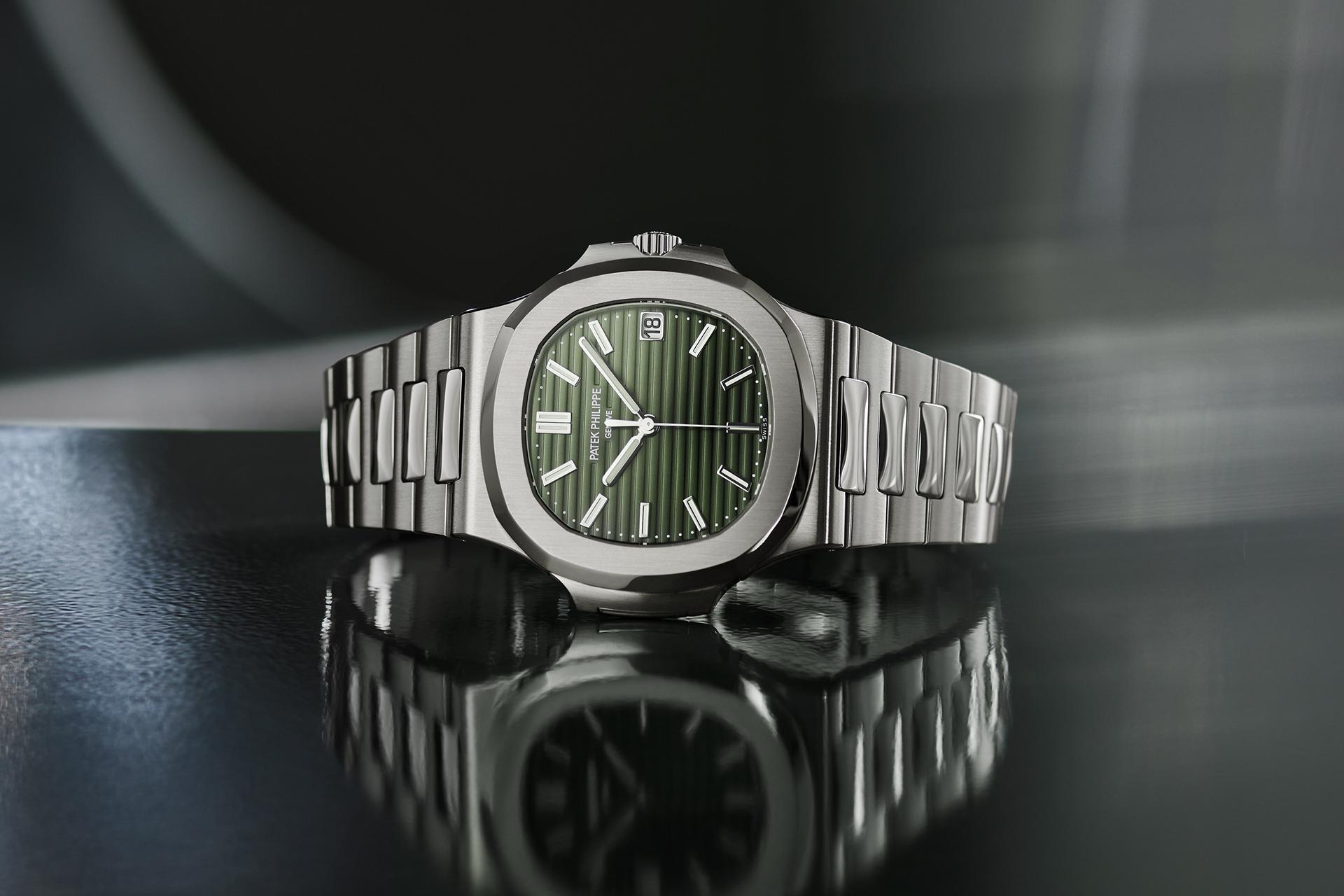 Patek Philippe Nautilus 5711/1A-014 olive green dial