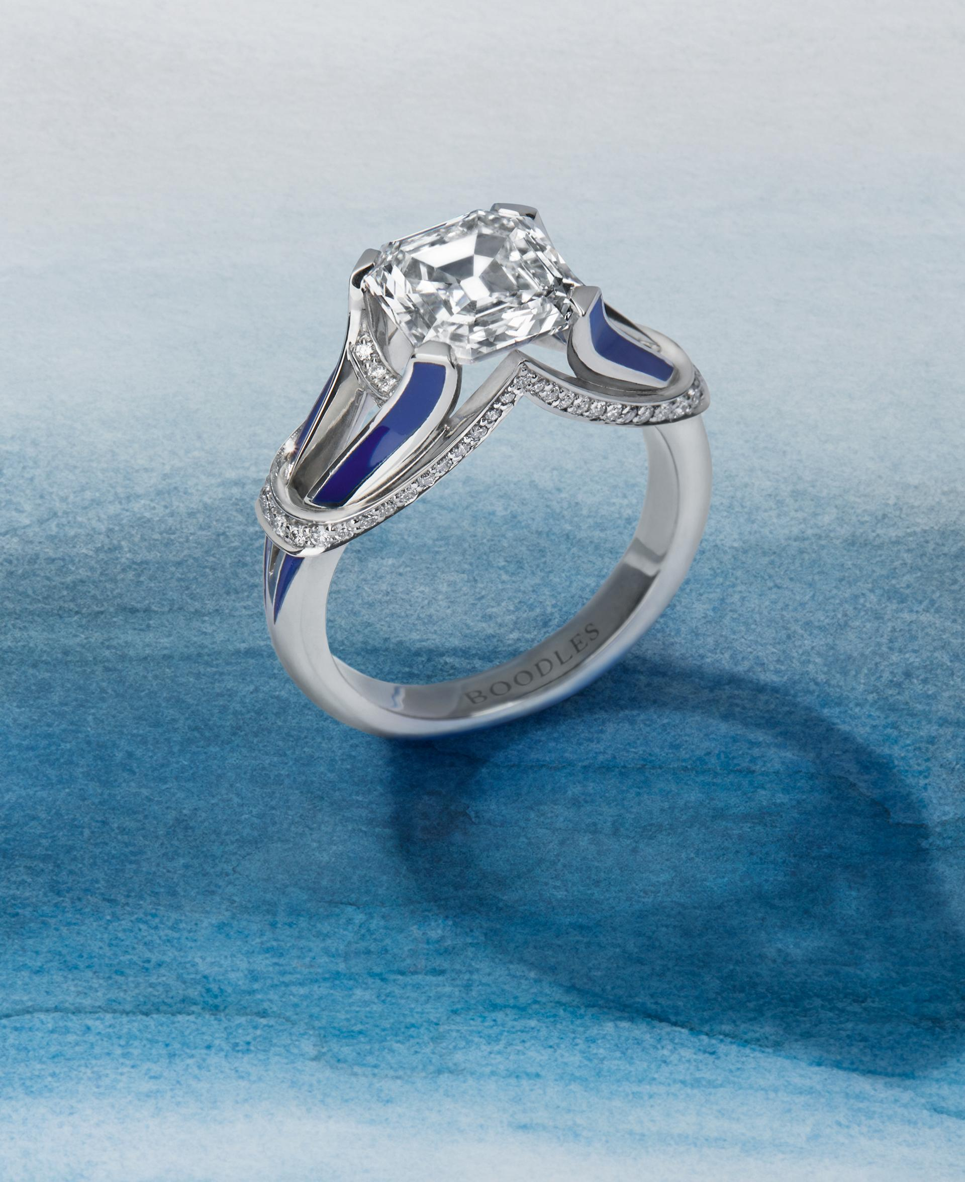 Boodles Travel Collection 'London' Ring
