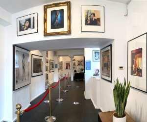 Proud Galleries